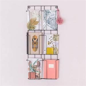 Porte Carte Postale Mural : porte cartes postales gris le petit florilege pinterest ~ Teatrodelosmanantiales.com Idées de Décoration