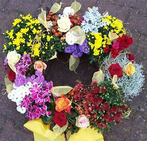 Trauer Blumen Bilder : pflanzkranz trauer 001 ~ Frokenaadalensverden.com Haus und Dekorationen