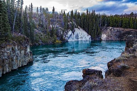 yukon river worldatlascom