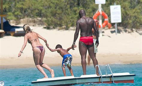 Heidi Klum And Seal Look Very Much In Love As They Holiday