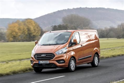 ford transit custom 2018 2018 ford transit custom officially unveiled