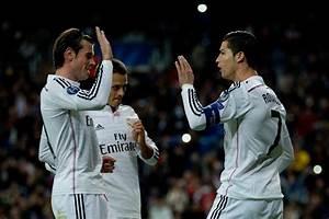 Gareth Bale Javier Hernandez Chicharito Photos Photos ...