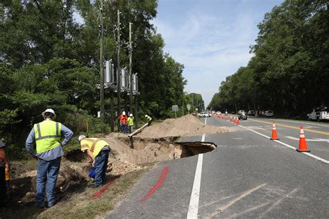 Sinkholes Alachua County Fl by Sinkhole Opens In Newberry News Gainesville Sun