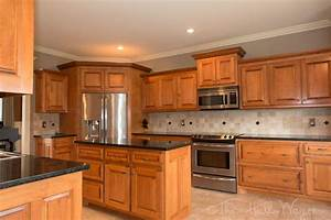 Popular kitchen colors with maple cabinets best kitchen for Best brand of paint for kitchen cabinets with art wall for kids