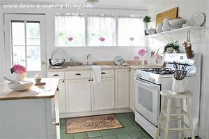 Summer Inspiration Decor in the Kitchen - Town & Country