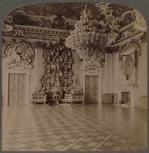 Regale Laden Berlin : throne room royal palace berlin with plate laden sideboard 18907667 greeting card ~ A.2002-acura-tl-radio.info Haus und Dekorationen