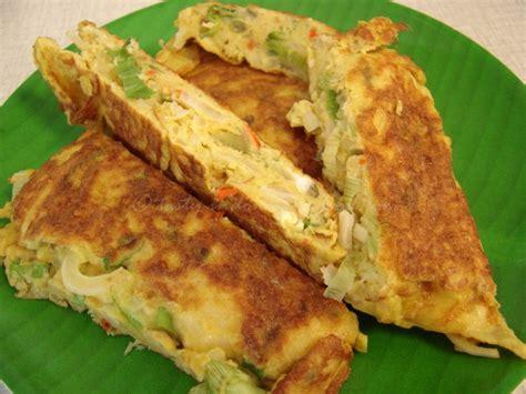 tasty indonesian food telur dadar ala warteg