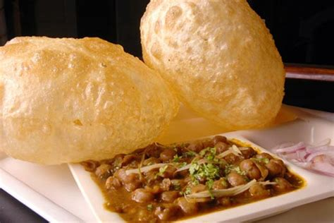 Top 5 Must Try Dishes of Delhi That Can't Be Left Out ...