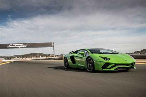 2017 Lamborghini Aventador S Cars Exclusive Videos And