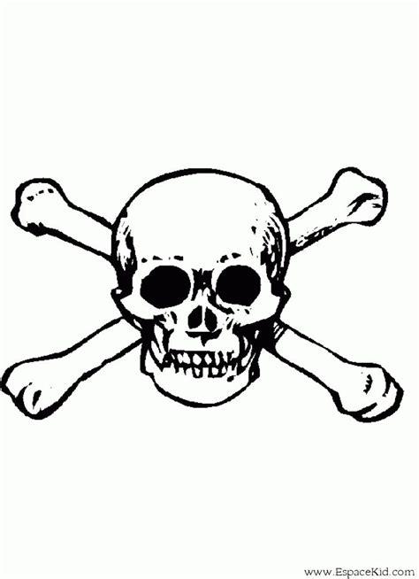 coloriage tete de mort a imprimer dans les coloriages pirate et gif 700 215 967