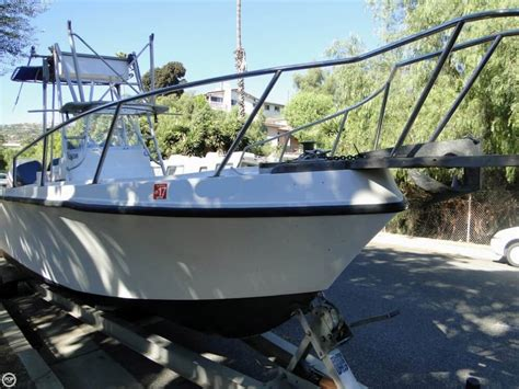 Mako Boats California by 1982 Used Mako 254 Center Console Fishing Boat For Sale