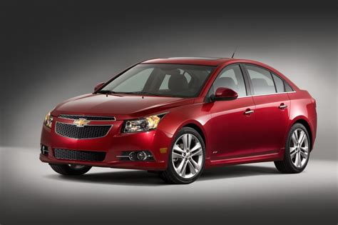 chevrolet cruze recalled  faulty airbags