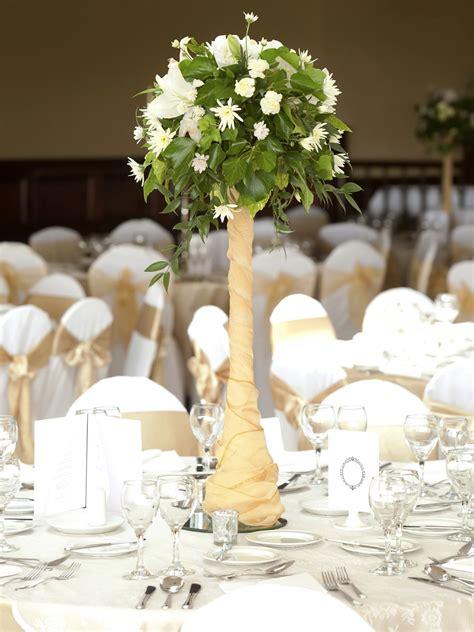 stylish highlow wedding centerpieces ideas
