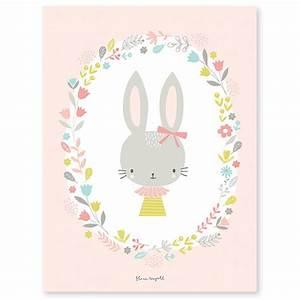 affiche pour chambre bebe avec lapin fond rose With affiche chambre bébé avec tapis de roses pour le dos