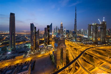 Early morning in Downtown Dubai, UAE - HDRshooter