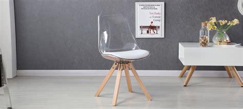 chaises transparentes design