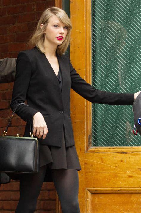 taylor swift leaves   york apartment hawtcelebs