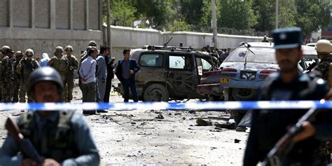 In kabul gab es zwei gedenksteine, im feldlager camp warehouse vor dem stabsgebäude, der 2013 abgebaut wurde, und einen am flughafen kabul, ein geschenk der stadt berlin an die deutschen soldaten. Selbstmordanschlag in Kabul: Mehrere zivile Todesopfer ...