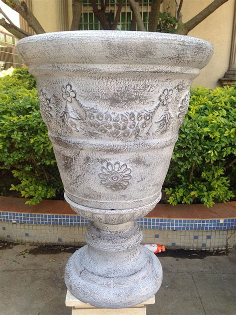 wholesale decorative large plastic garden urn