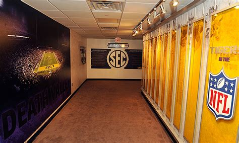 48+ Lsu Football Facilities Pictures