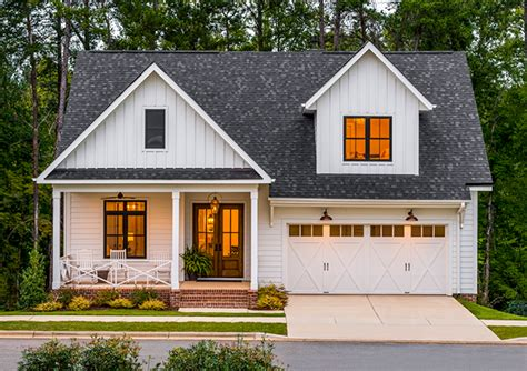 Garage Door Style Windows by Garage Doors For Farmhouse Style Homes