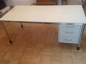 Schreibtisch Höhenverstellbar Ikea : ikea schreibtisch signatur c d in m nchen ikea m bel kaufen und verkaufen ber private ~ Markanthonyermac.com Haus und Dekorationen