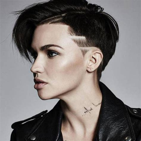 tatouage femme cou id 233 es de tatouage sur le cou