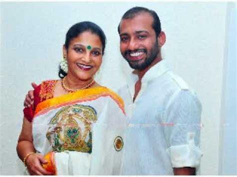 old malayalam actress karthika family old malayalam actress karthika www pixshark images