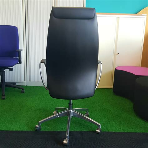 managers chair in black leather city used office furniture