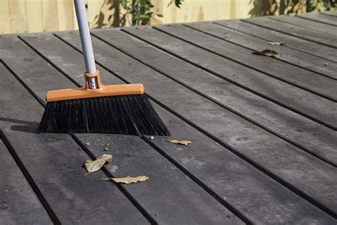expert advice best method to clean your wooden decking