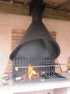 Cheminee D Exterieur Barbecue : une hotte pour le barbecue 2 2 ext rieur barbecue pool houses et stove ~ Dode.kayakingforconservation.com Idées de Décoration