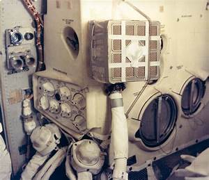 File:Apollo 13 LM with Mailbox retouched.jpg - Wikipedia