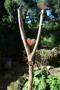 Deko Ast Holz : die besten 17 ideen zu gartendeko holz auf pinterest holzskulpturen baumbank und steinskulptur ~ Frokenaadalensverden.com Haus und Dekorationen