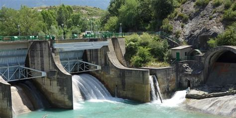 hydroelectricity advantages  disadvantages greentumble