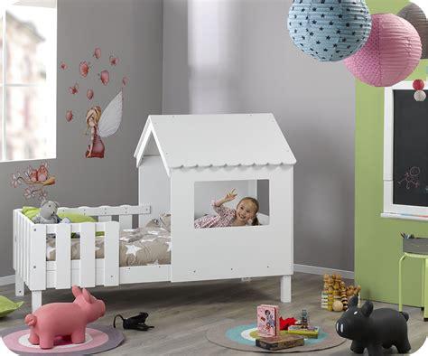 cabane dans une chambre le rêve de tous les enfants le lit cabane