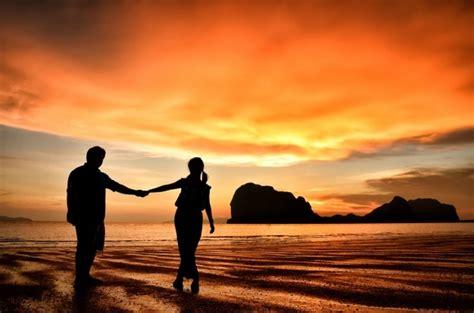 siluetas de parejas romanticas fotos  vectores gratis