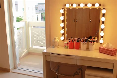 vanity table set with lights everything you need to know about making diy vanity table