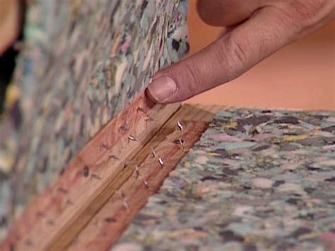 install  carpet runner  wooden stairs  tos