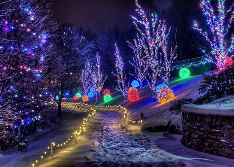 christmas town   winter walk  kentucky