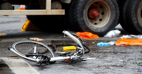 cyclist deaths     times likelier   killed