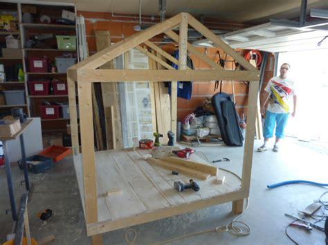 table de montage ossature bois r 233 alisation d une cabane de jardin pour enfant sebricole