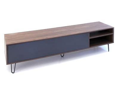 Un meuble TV fonctionnel et design : C est par ici