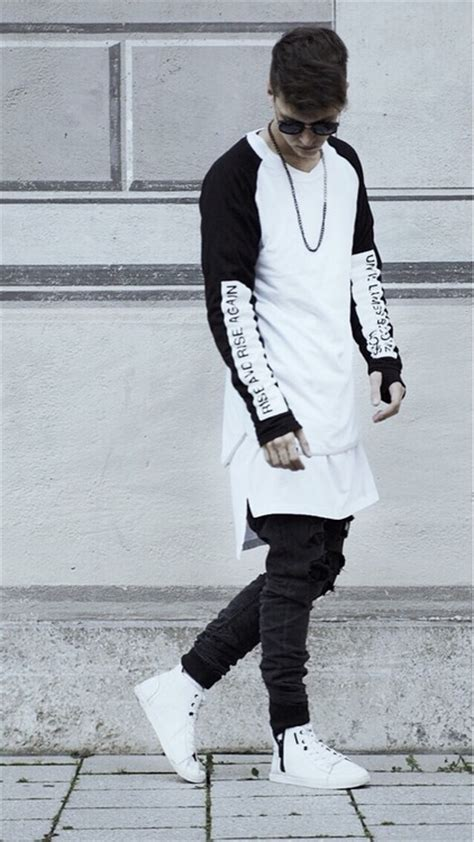 Urbanflavours swag black and white fashion on lock | urban ...