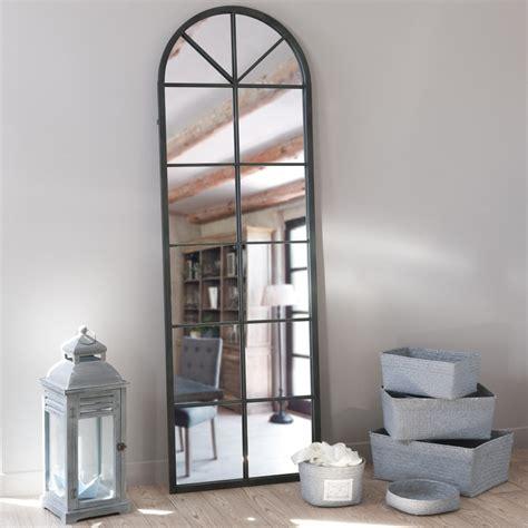miroir en metal noir   cm achille maisons du monde
