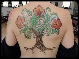 Baum Tattoo Bedeutung : fantasie r cken baum tattoo von firefly tattoo ~ Frokenaadalensverden.com Haus und Dekorationen