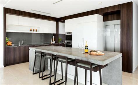 beton ciré cuisine plan travail béton ciré pour plan de travail de cuisine 25 idées modernes