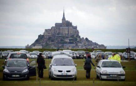 parking mont michel gratuit mont michel hausse du parking 224 12 euros sans marche 224 pied le point