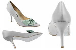 cool wedding shoes inspired i dos unique wedding shoes colorful soles