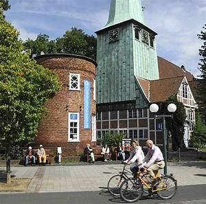 Von Have Bergedorf : fotografien von hamburg bergedorf hasse haus und kirche verkehrsberuhigte strasse fahrradfahrer ~ Markanthonyermac.com Haus und Dekorationen