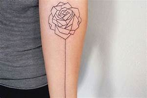 Tatouage Arriere Bras : tatouage rose femme symboliques styles et tendances pour les curieuses et les passionn es autre ~ Melissatoandfro.com Idées de Décoration